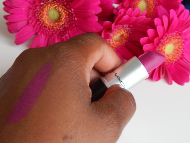 Le rouge à lèvres mat : un atout chic et glamour ! 6