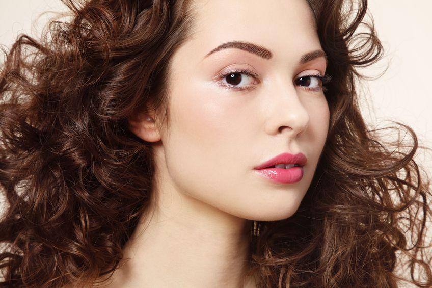 6 astuces pour boucler ses cheveux sans chaleur