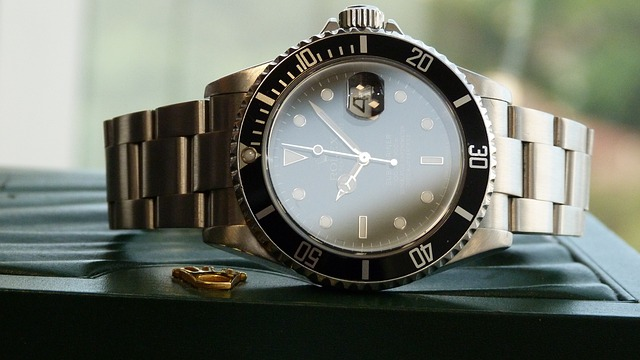 watch-1327148_640