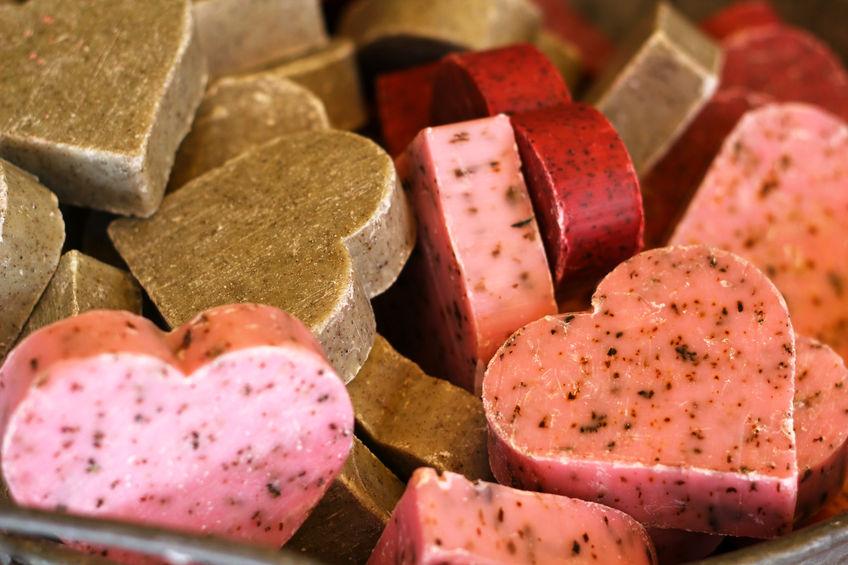 2 Recettes de cosmétiques solides : gommage et lotion