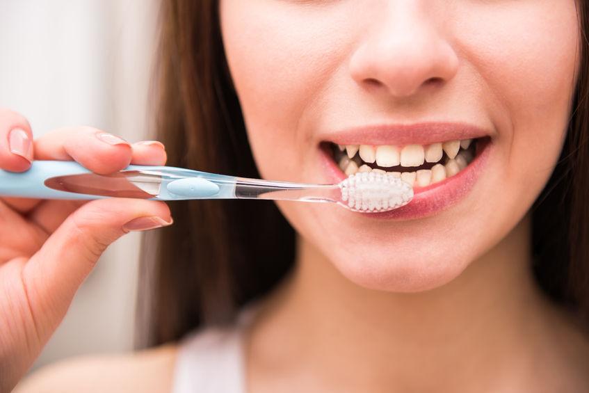 blanchir ses dent avec le bicarbonate de soude