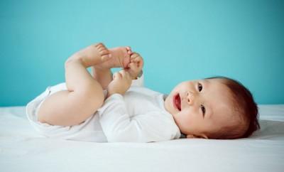 7 idées pour annoncer si bébé est une fille ou un garçon