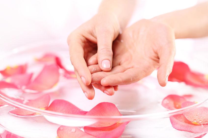 déjaunir les ongles avec le bicarbonate de soude