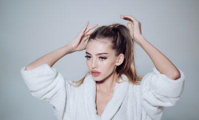 Les gestes à éviter quand on a les cheveux gras