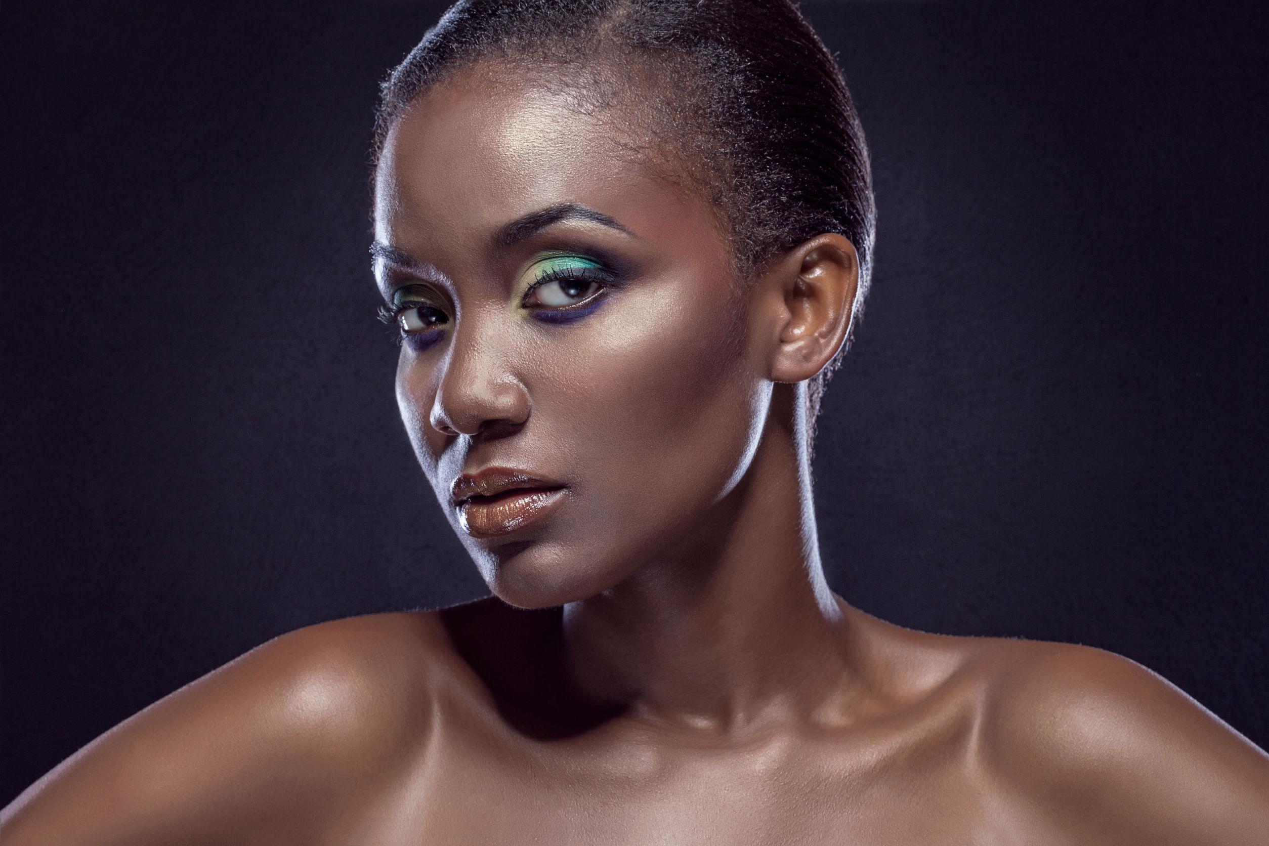 Les 6 raisons pour lesquelles tes cheveux afro ne poussent pas vite