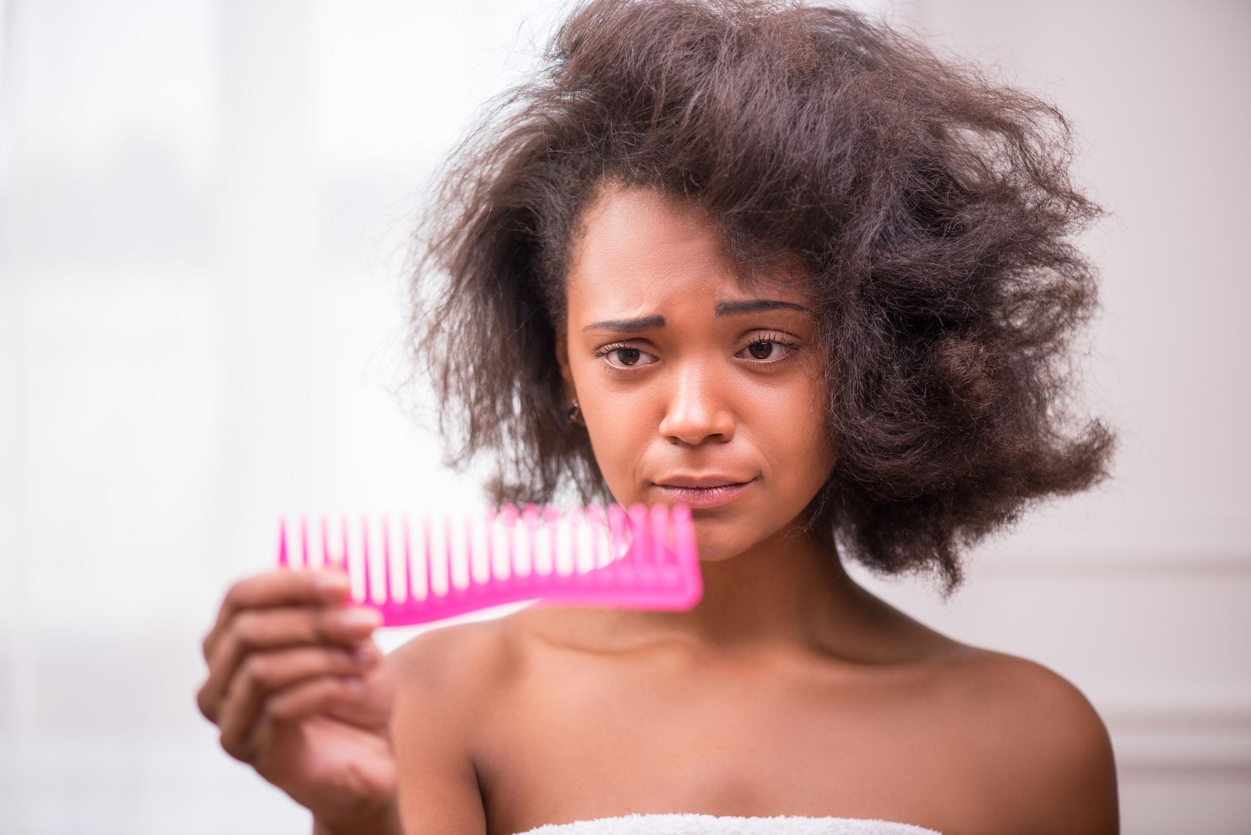 Peigne et brosse cheveux afro