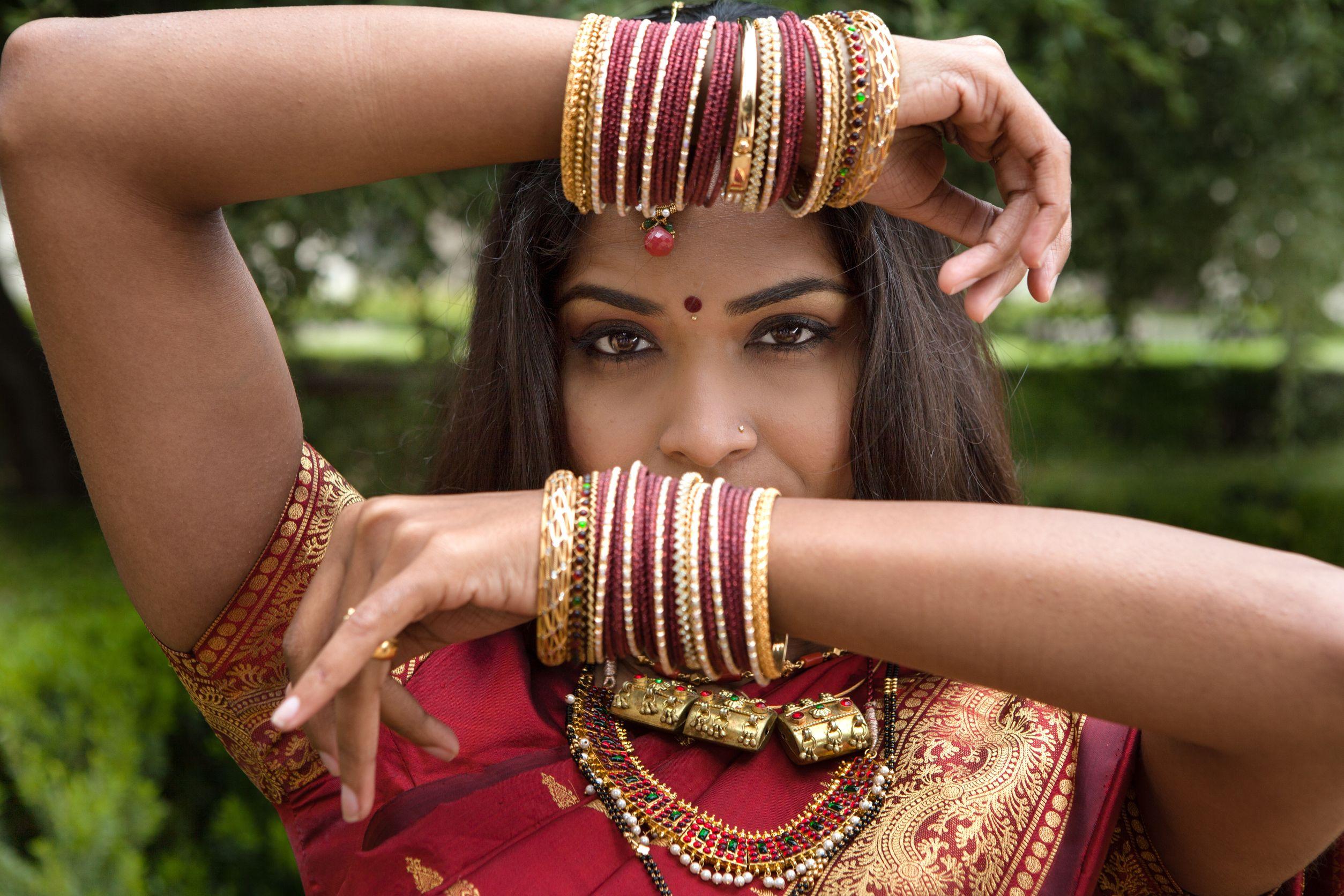 Six astuces pour paraître mince en sari