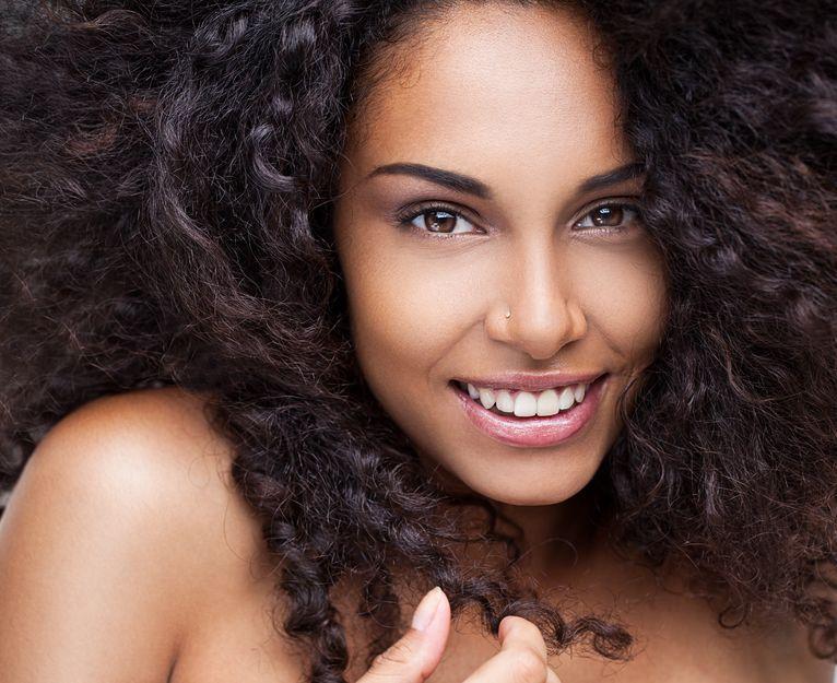 Cheveux Boucles Comment Definir De Belles Boucles L6mag
