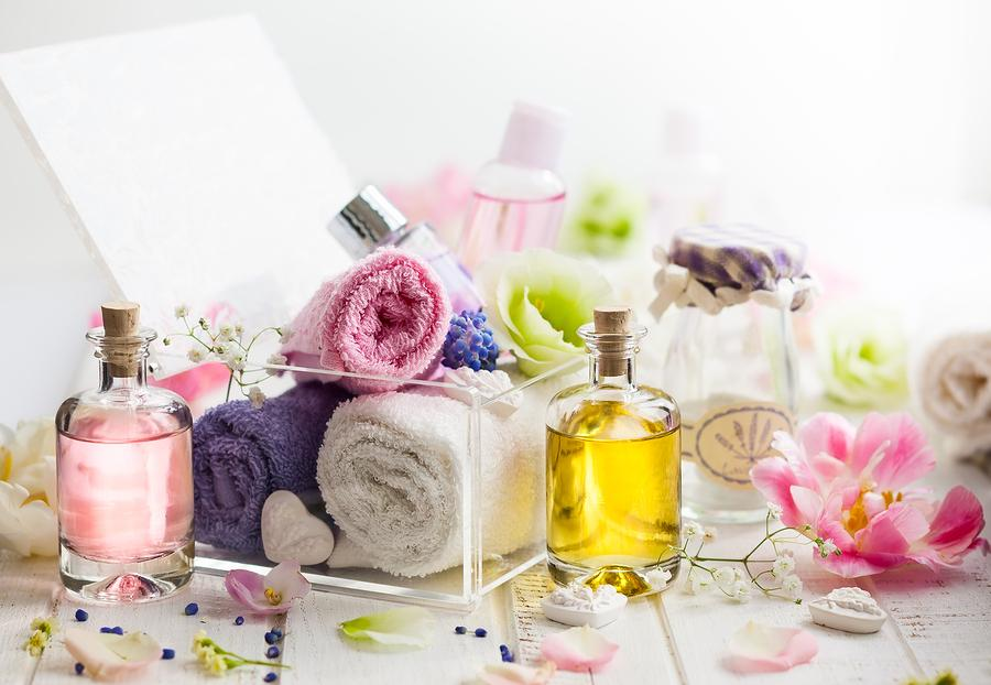Huiles essentielles: Le secret d'une routine beauté